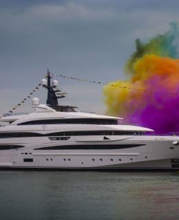 Il varo di Crn Cloud 9, superyacht di 74 metri, nel cantiere di Ancona