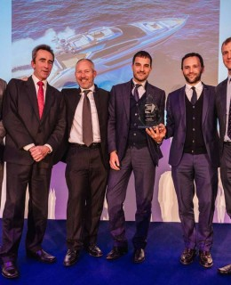 Da destra: Hugo Andreae, Motorboat & Yachting Editor in Chief; Giordano Pellacani, Head of Sales Riva; Jacopo Gessa, Head of Communications Riva; Mike Newton-Woof, Ventura UK owner; Alan Harper, Motorboat & Yachting Custom Yachts editor; Jack Haines; Motorboat & Yachting Yachts editor