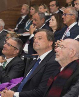 """""""Esportare la Dolce Vita 2017"""": al centro, in primo piano, il ministro Carlo Calenda"""