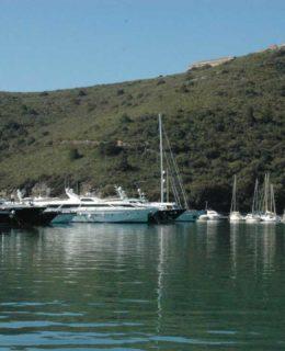 Cala Galera (Argentario), un'immagine del porto turistico