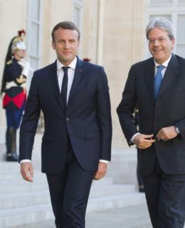 Macron formidable. Il presidente francese con il premier Paolo Gentiloni all'Eliseo (photo by formiche.net)