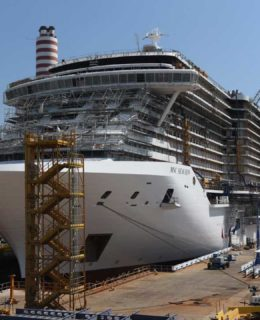 Msc Seaview in acqua a Monfalcone