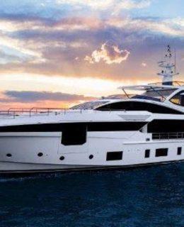 Première Azimut Yachts. Nella foto Azimut Grande 35 metri