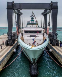 Crn Latona, superyacht di 50 metri