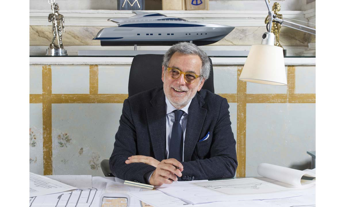 Tommaso Spadolini nel suo studio