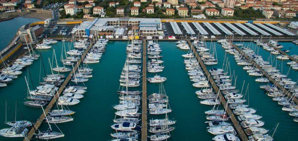 Tar e Canoni. nella foto una panoramica di Marina Cala de' Medici
