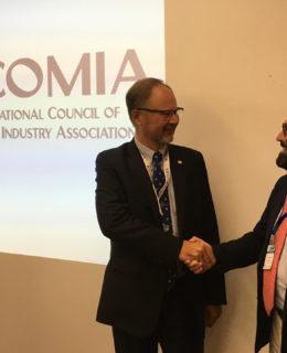 Andrea Razeto eletto presidente di Icomia (a destra nella foto)
