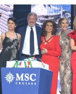 Fiaba Msc. Da sinistra il comandante Pier Paolo Scala, Geppi Cucciari, Pierfrancesco Vago, Sophia Loren, Lorella Cuccarini e Michelle Hunziker