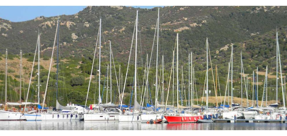 Marinedi e Dhl. Nella foto Marina di Teulada