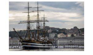Barcolana 50: l'arrivo della Vespucci