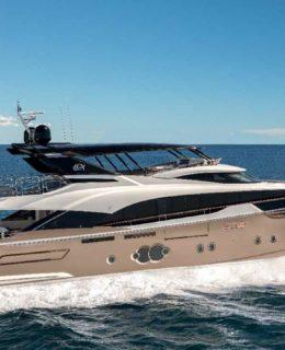 Golden Pinecone per Monte Carlo Yachts