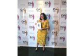Amer Yachts 94 Twin: Barbara Amerio esibisce il premio
