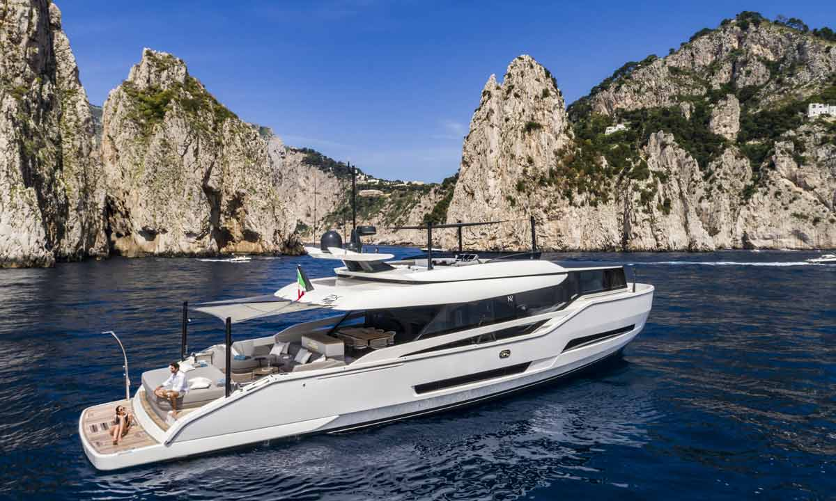 Palumbo Superyachts: Isa Extra 76