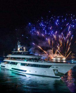 Venezia: l'arrivo di Riva Race 50 in bacino