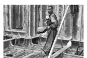Brandelli d'Italia: lavoro in un cantiere navale