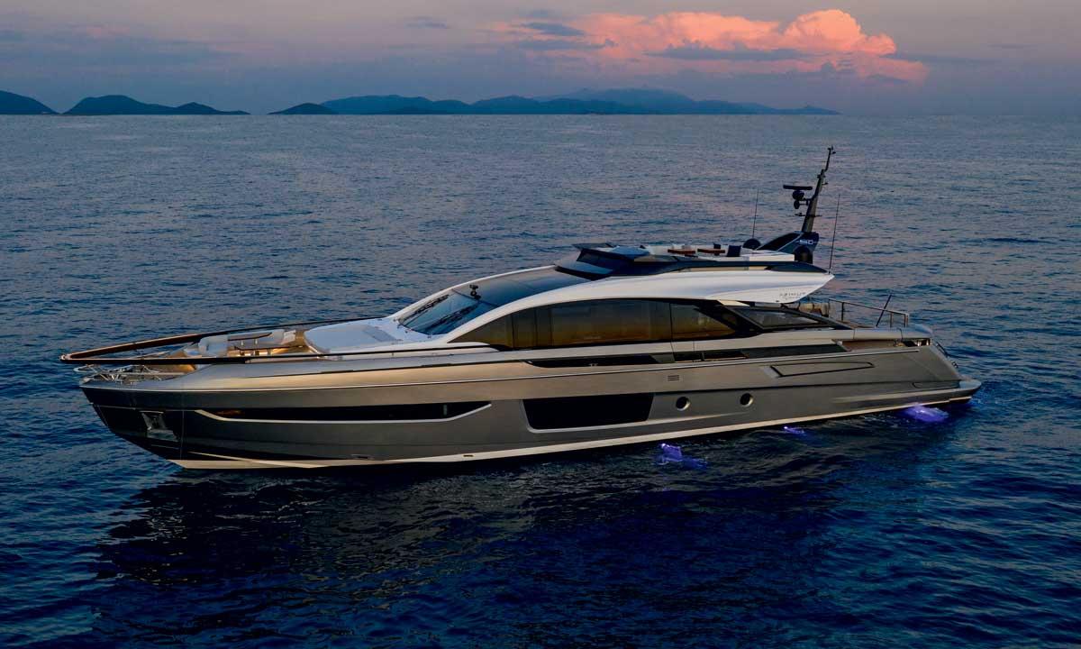 Azimut Benetti: Grande S10, la barca dei 50 anni