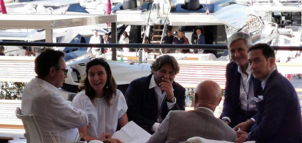 Cannes: da sinistra Maurizio Balducci, Giovanna Vitelli, Lamberto Tacoli, Michele Gavino, Marco Cappeddu e Saverio Cecchi