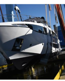 Amer Yachts, varo F100