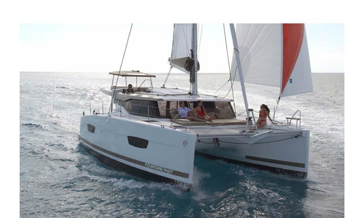 Golfo dei Poeti: il catamarano di Velamica