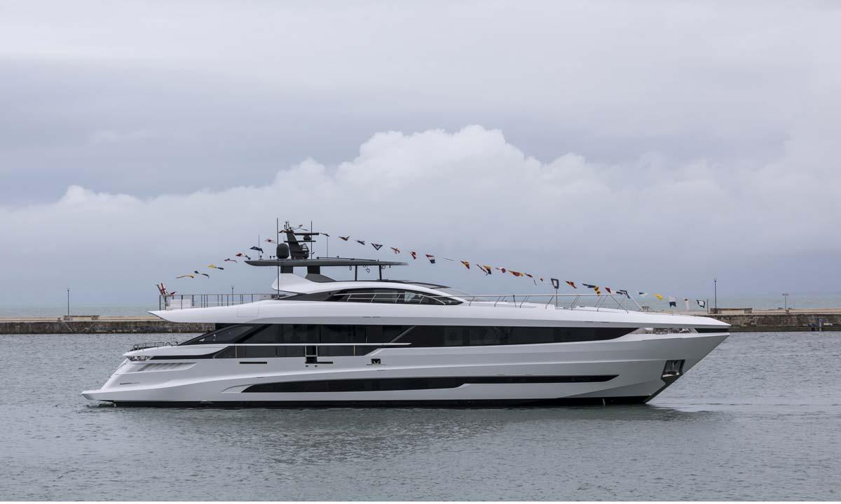 Overmarine Group: Mangusta GranSport
