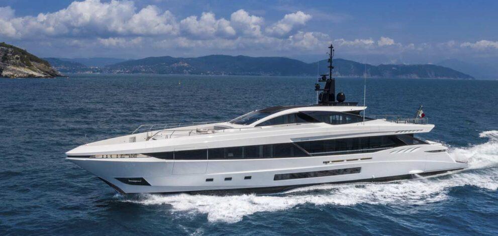 Overmarine Group: Mangusta GranSport 45
